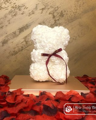 Miś z Różyczek z Kokardką – Biały 25 cm