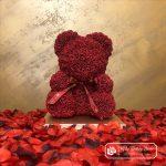 Bordowy Miś z Róż ze Wstążką – 40 cm