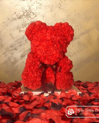 Czerwony Miś z Róż ze Wstążką – 40 cm