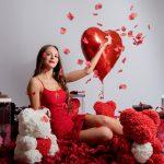 Bordowy Miś z Róż z Czerwonym Serduszkiem – 40 cm