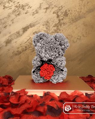 Miś z Różyczek z Serduszkiem- Szary 25 cm (GiftBox + Płatki Róż)
