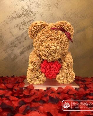 Złoty Miś z Róż z Serduszkiem – 40 cm (Box + Płatki Róż)