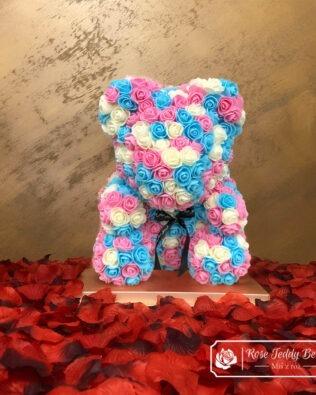 Wielokolorowy Miś z Róż z Serduszkiem – 40 cm (Box + Płatki Róż)