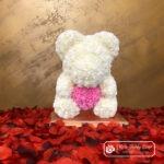 Biały Miś z Róż z Różowym Serduszkiem – 40 cm