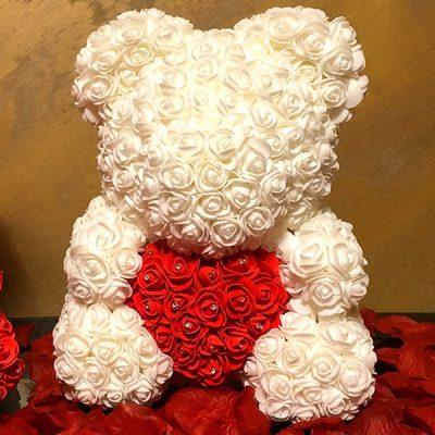Mis z róż Biały z Sercem